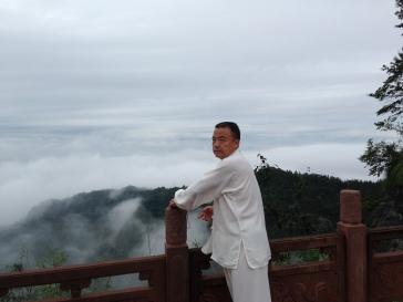 Maitre Yang Shi Qiang à Qi yun shan en avril 2014